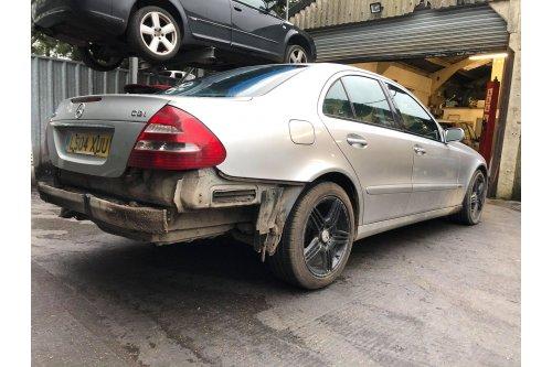 ♦2004 Mercedes E220 CDi hibátlan motor, manuális váltó - LS04 XUU - BONTÁS - Őrbottyán-i telephelyünkön!