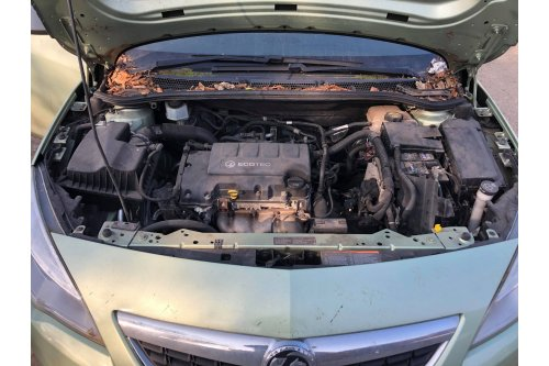 2010Opel Astra J 1364cm3 benzin-turbós,5ajtós, manuális váltóval(OV60 YPX)